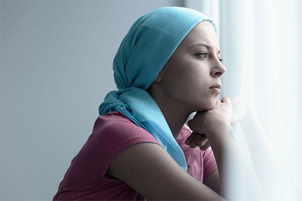 Cancer : gestion des effets indésirables des anticancéreux à l'officine