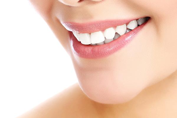 Hygiène bucco-dentaire chez l'adulte